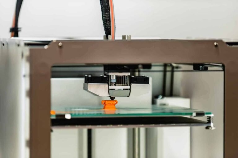 How does a 3d printer work?